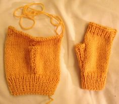 Lindsey Mitts - If you don't like knitting in the round -  Easy peasy fingerless mitt pattern knitted flat (5mm.)