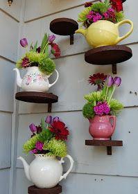 Clever Alice in wonderland tea pot decor