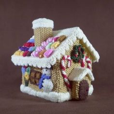 Gingerbread House amigurumi, free knitting pattern ~ Frankie Brown