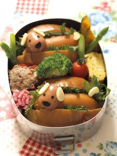 "Cute ""hot dog"" sandwich bento box"