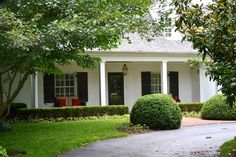 I want to paint my brick house but my guy is skittish about it - it would be a huge improvement! White Paint House, Rancher Homes, Outdoor House Paint, House Painting, Painting Brick, White Brick Houses, Painted Brick Exteriors, Brick Ranch, Ranch Style Homes