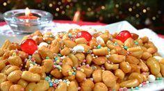 Gli amanti di frittura e tradizioni adoreranno questa Ricetta: Struffoli è il nome di questi irresistibili dolci natalizi partenopei. Ecco come prepararli..