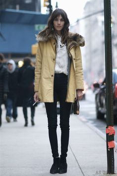 Alexa Chung      Want this coat!