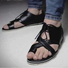 size37-44 2014 fashion men's summer gladiator style genuine leather open toe flip flops toe-covering korean sandals US $49.00