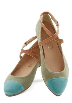 Keep yourself grounded with cute and trendy women's flats from ModCloth. Find your fit in black flats, women's flat sandals & more. Cute Flats, Cute Shoes, Me Too Shoes, Dream Shoes, Crazy Shoes, Pretty Shoes, Beautiful Shoes, Shoe Boots, Shoes Sandals