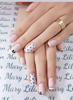 25 Stylish Nails Art Design for Fall Winter Women love anything pretty and chick. From the hair, makeup and outfit, nobody wants to be left out of fashion. Not even the nails! Keep reading to find out some stylish nail art inspirations. White Nail Art, White Nails, Pink Nails, Gel Nails, Acrylic Nails, Coffin Nails, Coffin Acrylics, Stiletto Nails, Light Colored Nails