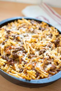 Pastagratäng med köttfärs Turkey Recipes, Pork Recipes, Snack Recipes, Dinner Recipes, Cooking Recipes, Recipies, Pasta Med Bacon, Quick Meals To Cook, I Love Food