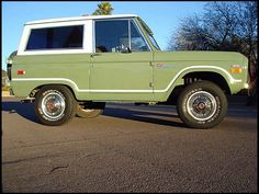 1971 Ford Bronco  302 CI, 3-Speed      still want one of these...