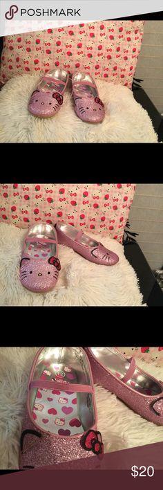 🎀🎀 Girls Hello Kitty 🐱 Flats 🎀🎀 Pretty pink sparkly shoes Hello Kitty Shoes Dress Shoes