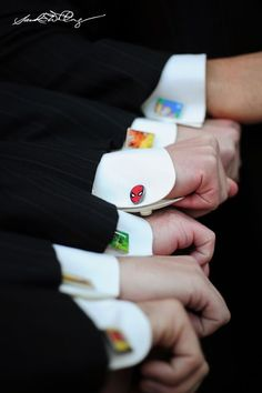 Cooler Geeks - How awesome, cool gifts for the groomsmen: Custom superhero cufflinks! Geek Wedding, Our Wedding, Dream Wedding, Marvel Wedding Theme, Wedding Superhero, Comic Book Wedding, Batman Wedding, Groom Wedding Trends, Avengers Wedding