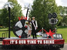 3 Must-Haves For the Perfect College Homecoming Float Homecoming Signs, Homecoming Floats, Homecoming Themes, Football Homecoming, Homecoming Parade, Graduation Party Themes, Homecoming Week, Homecoming Dresses, Spirit Day Ideas