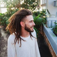 Dreaming about spring. Dreadlock Mohawk, Mens Dreadlock Styles, Dreadlocks Men, Dreadlock Hairstyles For Men, Dreadlock Extensions, Dreads Styles, Cool Hairstyles, Dreads Undercut, Locs