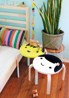 IKEA Frosta stools are comfy and amazing pieces that can be hacked in various ways. I don't mean only stenciling or painting, you can turn a Frosta stool . Frosta Ikea, Banco Ikea, Ikea Kura, Ikea Kallax, Ikea Stool, Diy Stool, Painted Stools, Deco Kids, Best Ikea