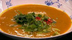 Thai-style græskar suppe  er en lækker opskrift fra Go' morgen Danmark, se flere suppe på mad.tv2.dk