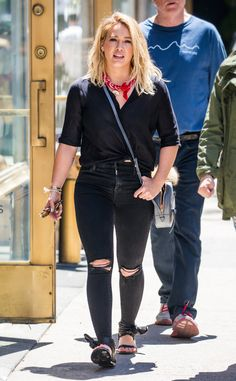 If you love a good crossbody like Hilary Duff, chances are you're a mover and a shaker.