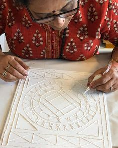 Grandparents visiting from India come to attend some art classes at Mirror Artwork, Mirror Painting, Fabric Painting, Clay Wall Art, Mural Wall Art, Rajasthani Art, Pottery Painting Designs, Clay Art Projects, Plaster Art