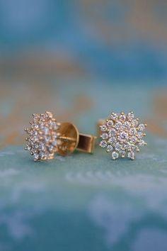 earrings Diamond Cluster Earrings in Yellow Gold Buy Earrings, Jewelry Design Earrings, Gold Earrings Designs, Gold Jewellery Design, Ear Jewelry, Necklace Designs, Gold Jewelry, Gold Bracelets, Helix Earrings