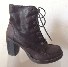 """1990's Grunge style Brown Ankle Boots, fuzz lined, 3"""" heel - $24 (Size 8W) #vintage"""