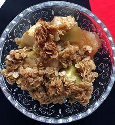 Ihanan pehmeän omenatortun salaisuus on toffee Toffee, Oatmeal, Grains, Food And Drink, Rice, Meat, Chicken, Baking, Breakfast
