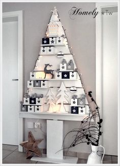 selbstgebauter Holz-Weihnachtsbaum, war der Adventskalender für die Kinder