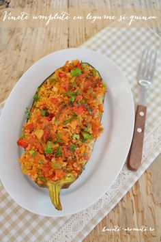 Quinoa Stuffed Eggplant Recipe available with translator. Quinoa, Romanian Food, Romanian Recipes, Eggplant Recipes, Ratatouille, Risotto, Vegetarian, Ethnic Recipes, Stuffed Eggplant