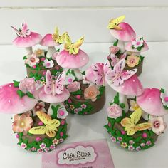 Image may contain: flower Fairy Birthday Cake, Pumpkin First Birthday, Baby Girl Cakes, Tinkerbell Party, Love Cupcakes, Chocolate Covered Oreos, Baby Shower Cookies, Cake Decorating Tips, Clay Art