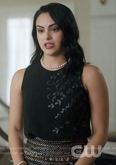 Veronica Lodge Fashion on Riverdale Veronica Lodge Aesthetic, Veronica Lodge Fashion, Veronica Lodge Outfits, Fashion Tv, Fashion Outfits, Camila Mendes Riverdale, Riverdale Veronica, Camilla Mendes, Riverdale Fashion