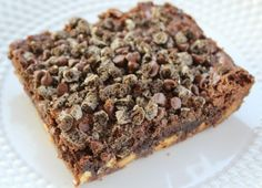 Cookies and Cream Brownies are quick and easy to make using a boxed brownie mix to save time. These rich, chewy brownies are loaded with yum! Chewy Brownies, Cookies And Cream, Unique Recipes, Weight Watchers Meals, Random Acts, Banana Bread, Food And Drink, Sweet, Easy