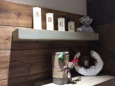 Noel; Christmas; Wood wall; Candle;