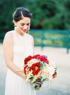 A Bride and her Bouquet - The Brides Cafe - Loverly