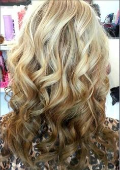 Want to try this reverse ombre look from blonde to light brown. Just cut it out when you get tired of it!
