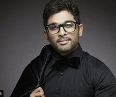 Stylish Star Allu Arjun after the super hit of Sarrainodu is now busy shooting for his next film Duvvada Jagannatham in the direction of Harish Shankar. Shooting of this flick is going at a brisk p...