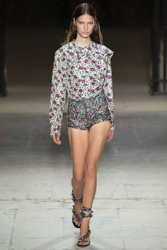 See the complete Isabel Marant Spring 2017 Ready-to-Wear collection.