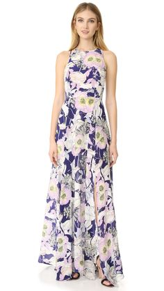 Great ready for spring and summer weddings with this Dream floral Maxi Dress from Yumi Kim