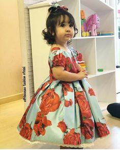Bomm dia lindonas ❤ . . #princesafashionoficial #lookdodia #modafemenina #modaevangelica #crentechic #trend #moda#moda #crentecomcharme #dressfesta #blog#saia #lookinspiração #saiamidi##outfits #trend#vestidodefesta#modafemenina #ccb#lookinspiração#vestido #vestidodefesta #trend