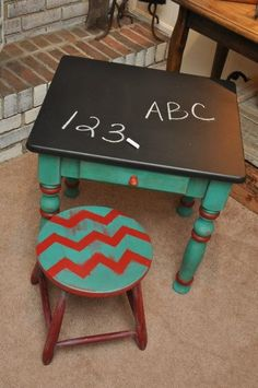 Child's Chalkboard Table with Matching Stool - DIY and Crafts Repurposed Furniture, Kids Furniture, Furniture Decor, Painted Furniture, Diy For Kids, Crafts For Kids, Chalkboard Table, Chalkboard Paint, Chalk Paint
