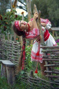 Rusa kosa do poyasa, Ukraine