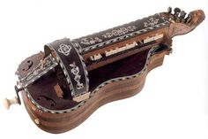 Late XVI century hurdy gurdy housed in the Civic Museum of Bologna