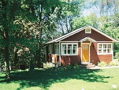 Charming, Updated Cottage on Wooded Hillside in Saugatuck