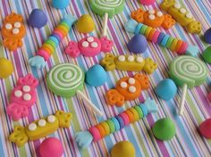 50 Ideas cake girl fondant cupcake for 2019 Fondant Cupcakes, Fondant Toppers, Cupcake Toppers, Cupcake Cakes, Rose Cupcake, Pink Cupcakes, Polymer Clay Charms, Polymer Clay Projects, Polymer Clay Creations