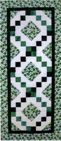 irish chain quilt | IRISH CHAIN TABLE RUNNER - Quilt N' Go - Your Quilt Store in the ...