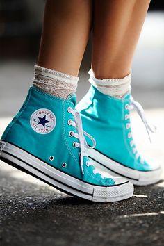 Converse Outfits, Converse Hi Top, Mode Converse, High Top Chucks, Sneaker Outfits, Sneakers Mode, Converse Sneakers, Vans Shoes, High Top Sneakers