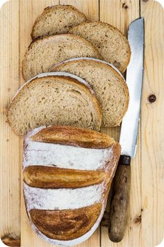 Ruchbrot is a typical Swiss bread, which is made with a share of flour or only Ruchmehl.Meist it is cut diagonally. Ruchbrot is a typical Swiss bread, which is made with a share of flour or only Ruchmehl.Meist it is cut diagonally. Homemade Dinner Rolls, Dinner Rolls Recipe, Pan Bread, Bread Baking, Bread Recipes, Cooking Recipes, Braided Bread, Easy Recipes For Beginners, Our Daily Bread