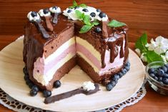 Romanian Desserts, Food Cakes, Cake Recipes, Sweet Treats, Deserts, Food And Drink, Pudding, Cupcakes, No Bake Desserts