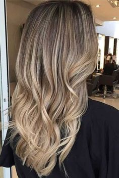 Dark blonde long natural hair ideas you can suggest for your next salon appointment. >> anavitaskincare.com