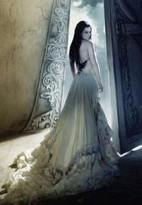 evanescence-love the gown and the pose