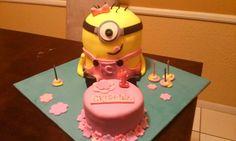 Despicable me cake pink minion