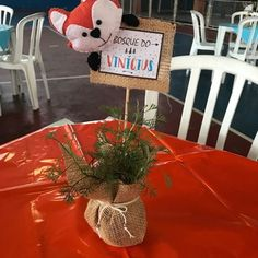 Mesas Para Baby Shower, Fox Party, Woodland Animals, Holidays And Events, Baby Boy Shower, Girl Birthday, First Birthdays, Diy Crafts, Table Decorations