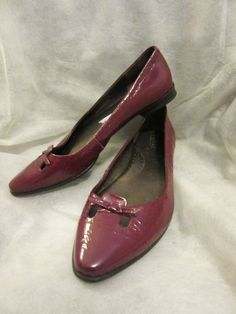 BORN Handcrafted Burgundy Crinkle Patent Leather Cutout Loafers Flats Pumps 8 #Born #Loafers #Flats
