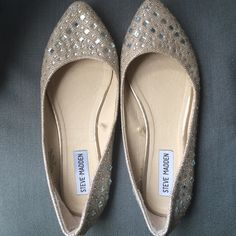 Steve Madden flats with rhinestones Brand new without tags. To small :( Steve Madden Shoes Flats & Loafers